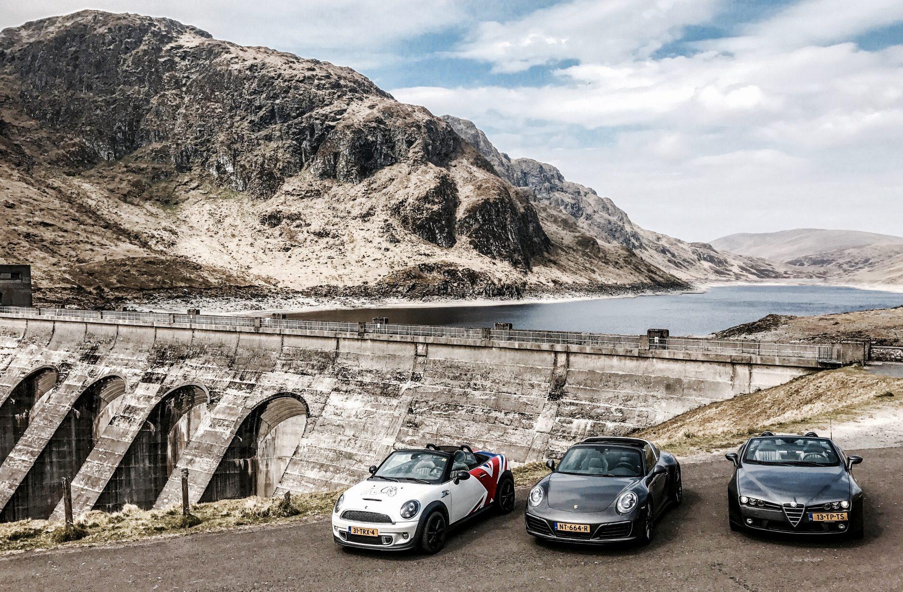 auto's bij ben lawers dam in schotland tijdens autoreis dolf dekking driving events reis